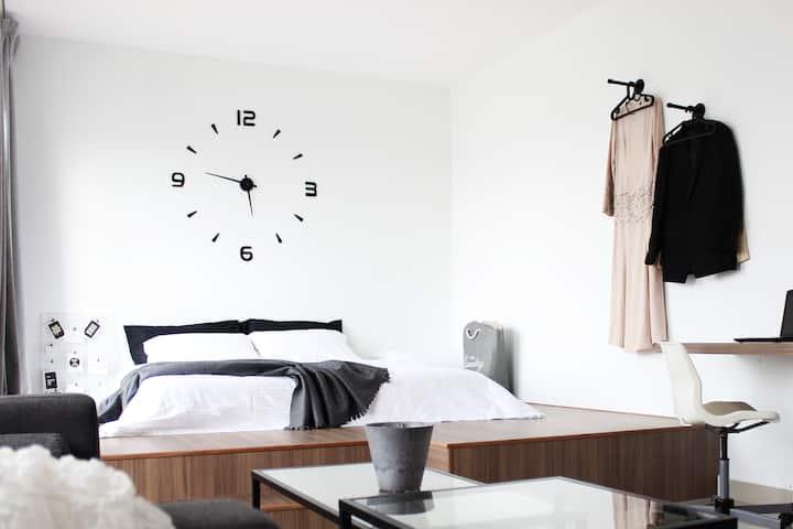 King bed 100Mbps Wifi @notedstudio