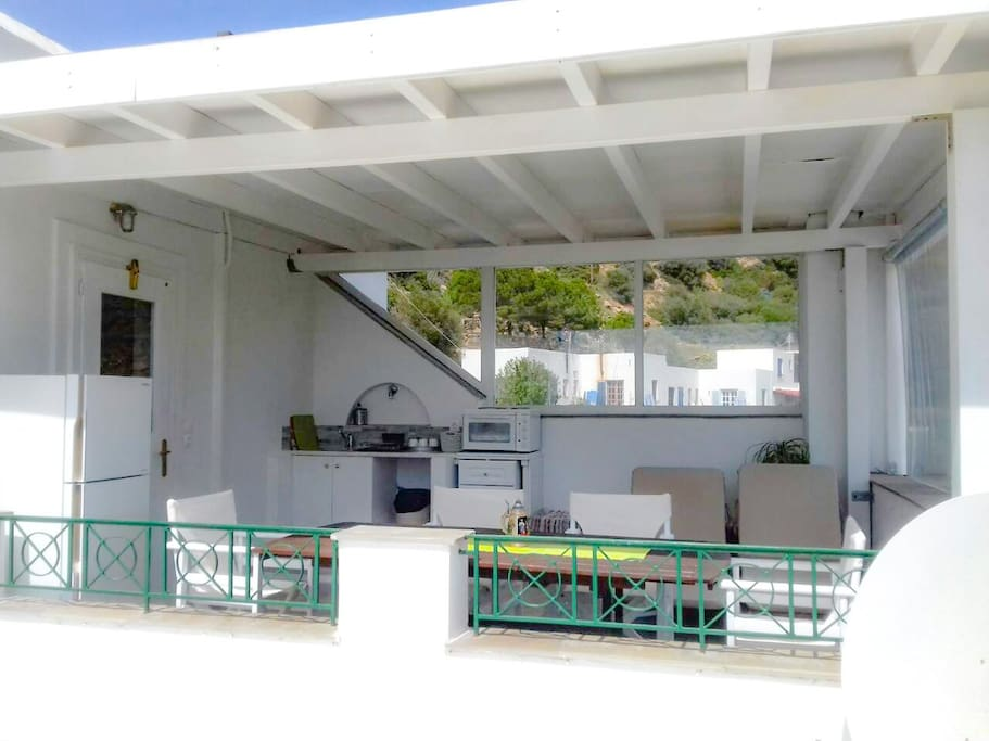 Outdoor kitchen - veranda