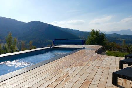 Villa d'architecte dans un cadre exceptionnel, piscine chauffée de 17 m - Cobonne