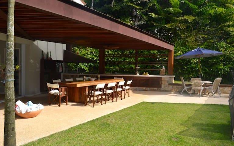 Casa Praia de Iporanga
