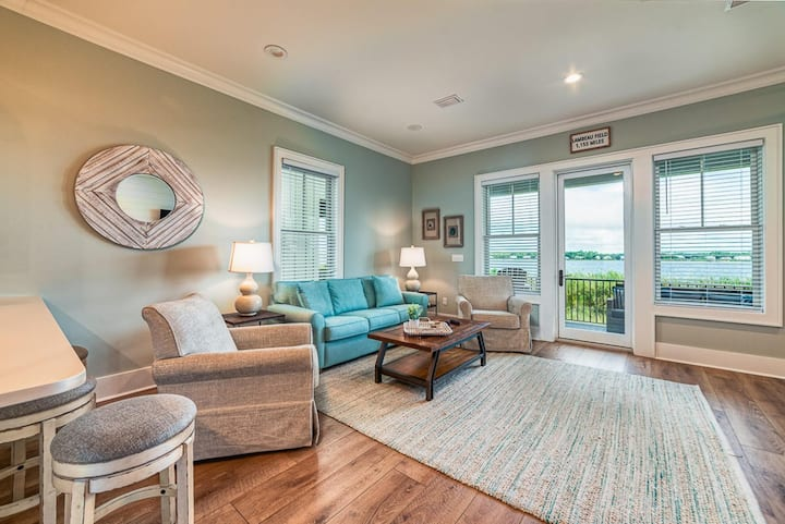 West Side Cottage Unit R - Luxury at the Beach in the Angell Family Beach House!