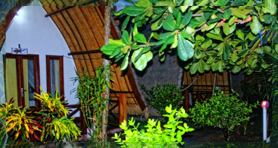 Kokowa Green Lodge - Room - 1 - Mataram