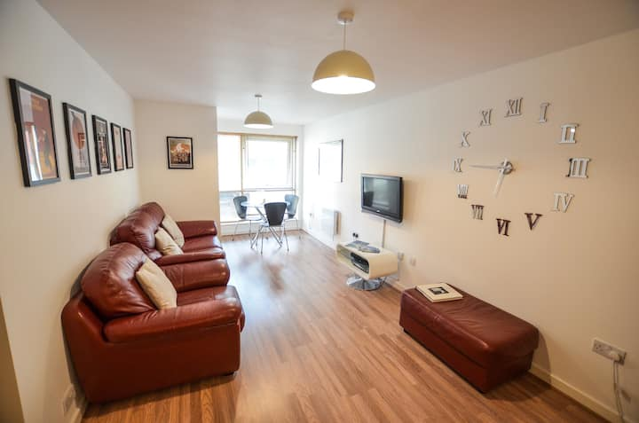Modern Apartment in the heart of Gunwharf Quays