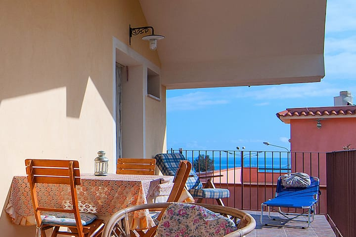Nice holiday apartment at 200 meters from the sea.