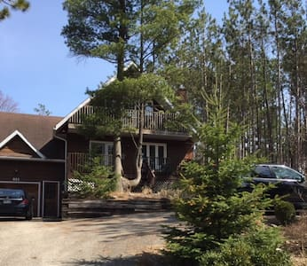 Beautiful, newly renovated FAMILY cottage - Wasaga Beach - Mökki