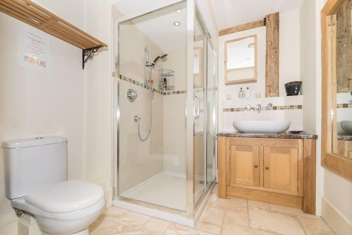 Shower room shared between bedrooms 5 & 6.