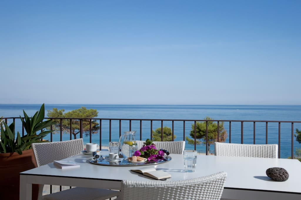 sea view  Terrace available
