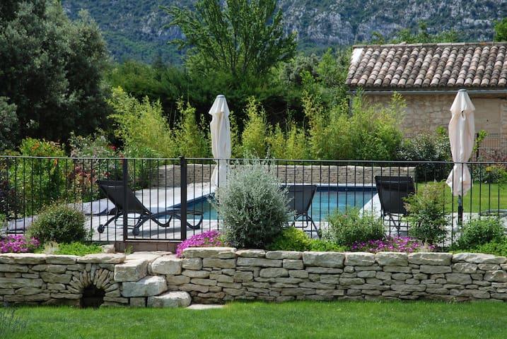 Provence-Luberon Chambre d'hôtes de charme La Soie