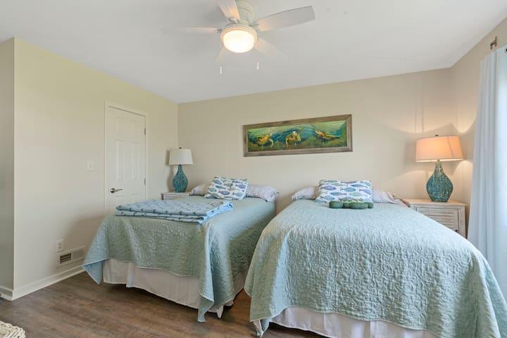 Second floor bedroom (two double beds)