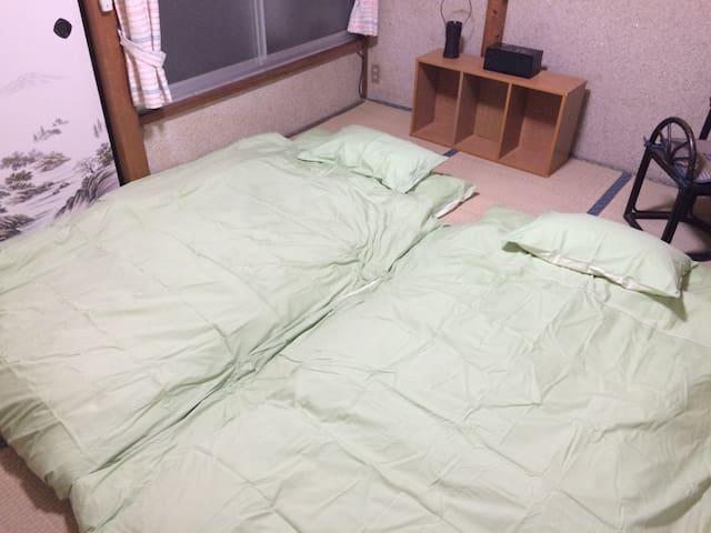 Bedroom(2) 鍵付き 二階寝室 (寝具) 2人寝れます