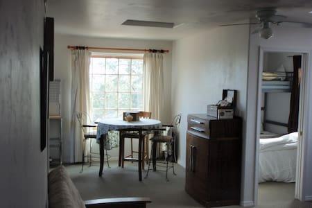 2 bedroom Loft Apartment full of natural light - Flagstaff