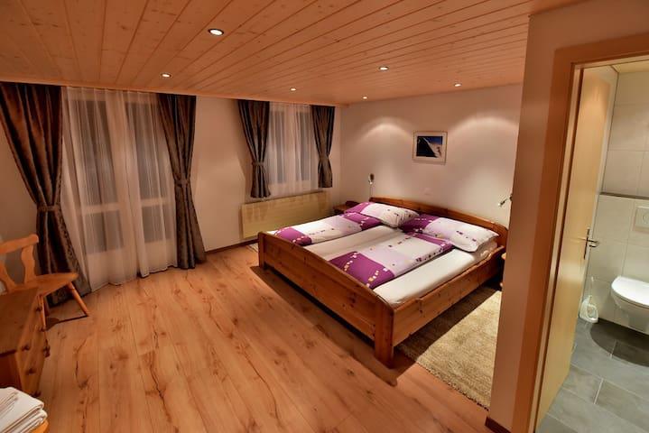 Süddoppelzimmer mit separatem WC