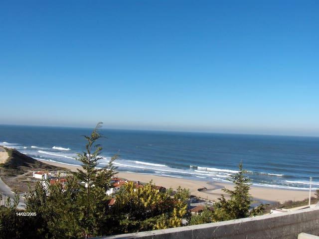 Casa de praia/férias - Pataias - บ้าน