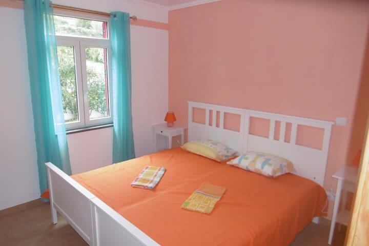 sleeping room with 2 beds 90x200