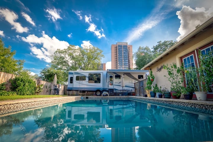 Pioneer HideAWay - RV with Pool