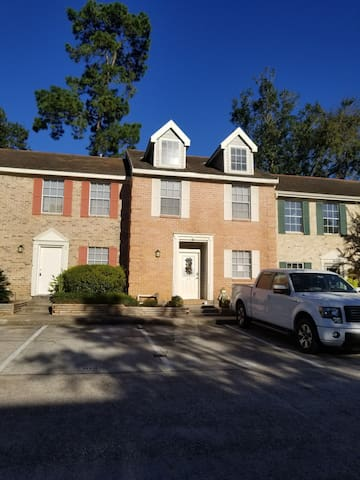 Newly renovated townhome with everything you need!