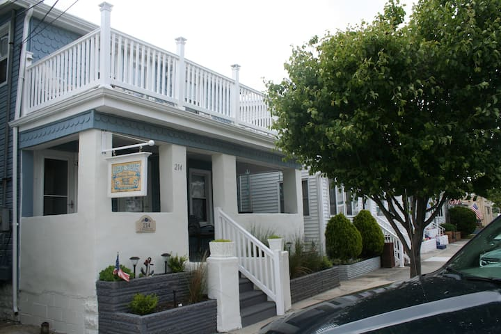 2 BR Beautifully Designed Pet Friendly Beach House