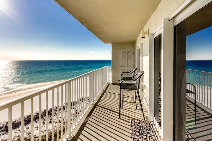Moonspinner- Beach front condo right next to St Andrews State Park!