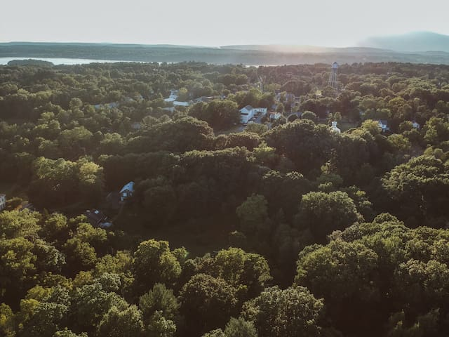 You can see the Barn on the lower left, the Tivoli water tower and the Hudson River. It's a truly spectacular area with the best the Hudson Valley has to offer!