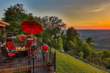 Ray's Place on Lookout Mountain