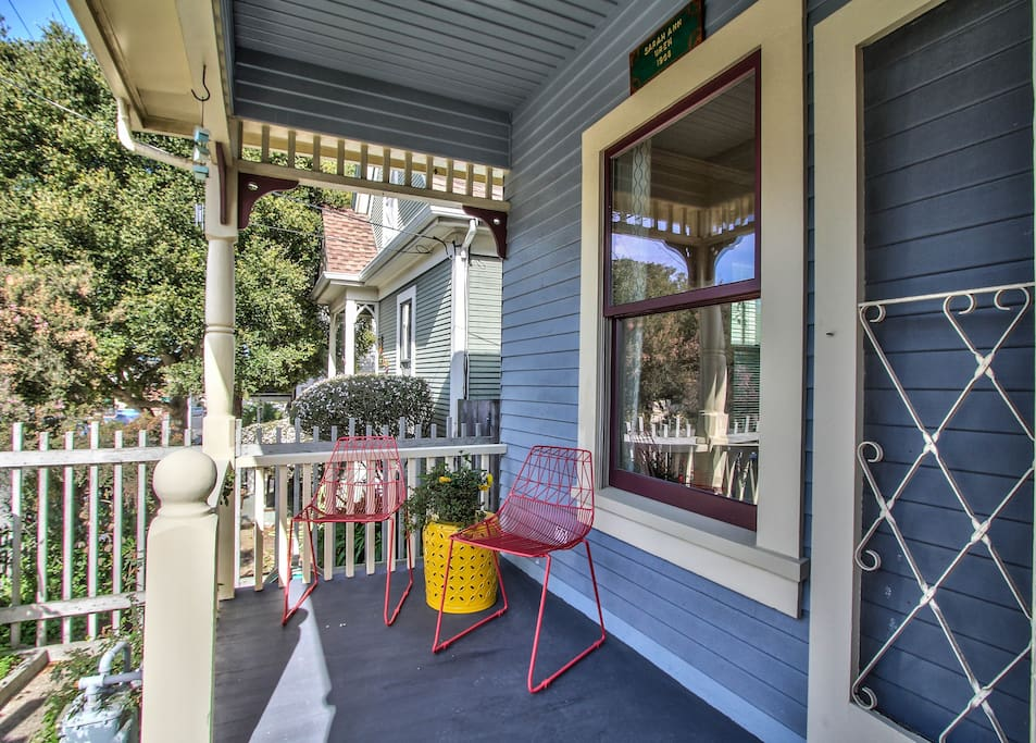 You'll be tempted to sit on the porch after a day of sightseeing.