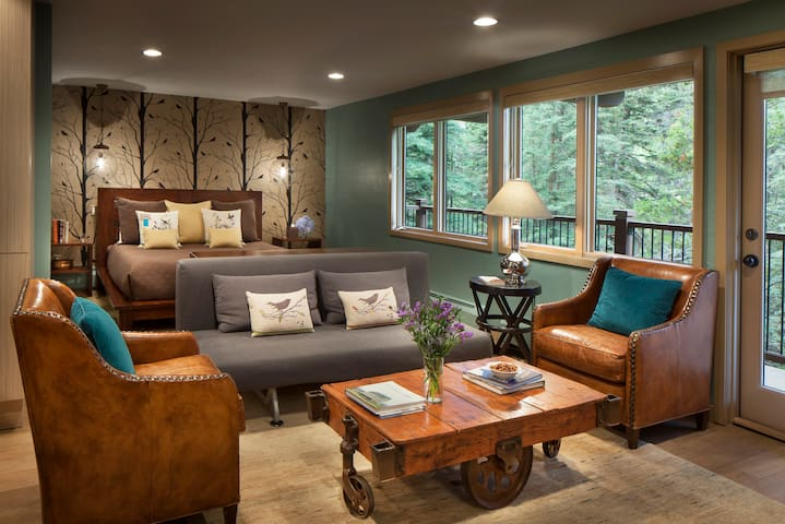 Save up to 30%! Studio Condo at Manor Vail Lodge!