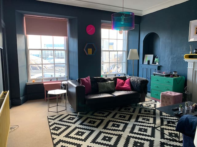 Old Town flat with open views