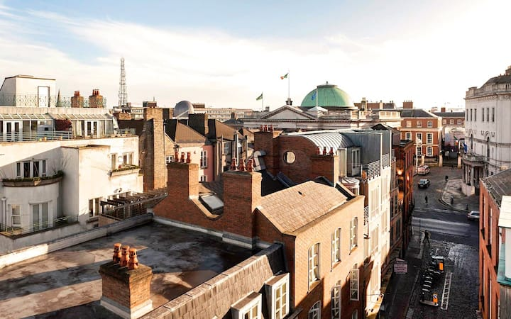 Panoramic View Penthouse in Old City Temple Bar