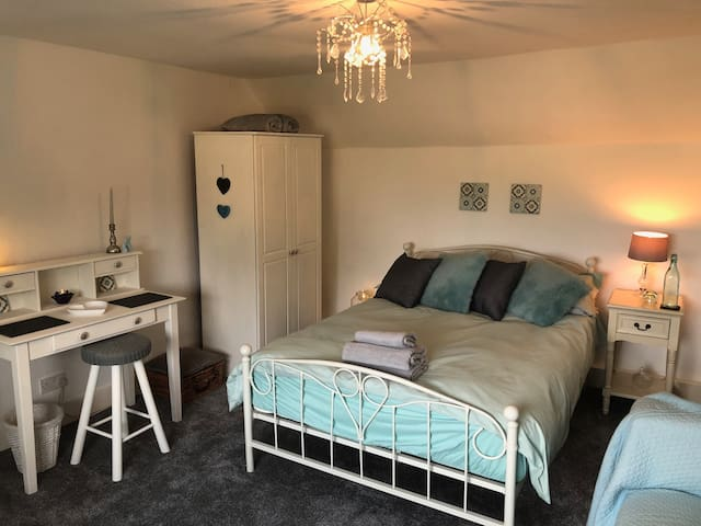 Charming Farmhouse Inverness Double room Breakfast