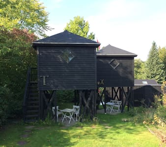 Unique and cosy house 3 meters above ground! - Hørsholm - Cottage