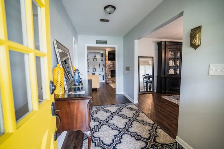 Southern Charm in Jacksonville near I-95!