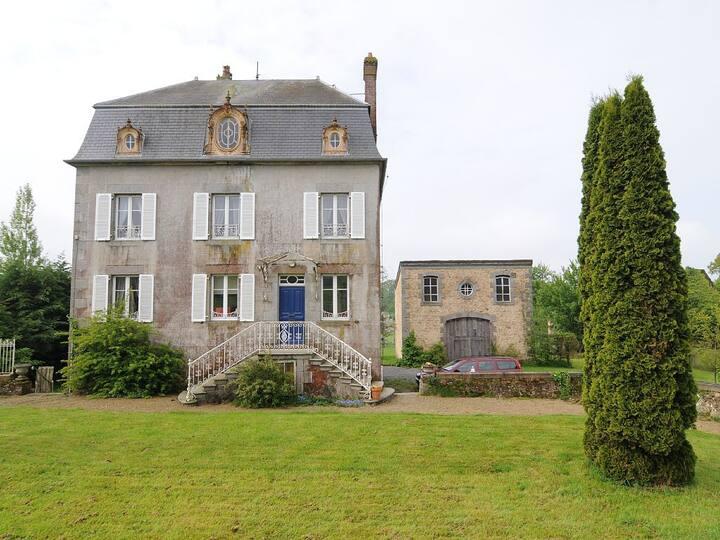 Comfortable 'Maison de Maitre', sleeps 11
