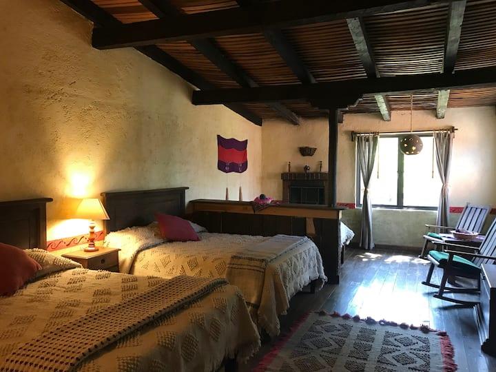 """Habitación 5 personas """"Rancho Cumbre Monarca"""""""