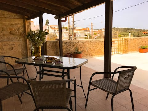 Alfa village-Antonia's home!A pleasant residence!!