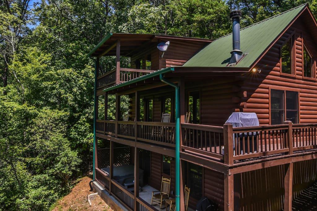 Three decks to enjoy the majestic views.