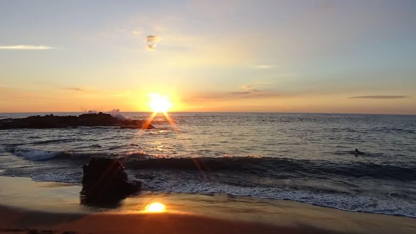 Caracolito (dorm), sol, mar, surf y buena vibra - Departamento de León - Hostel