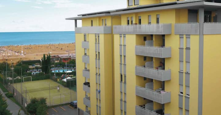 apt for 4+2 persons with a/c in Bibione R76463