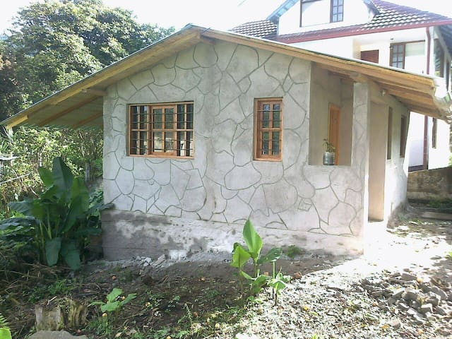 House in Mindo, near Quito, $10pn, 15 couples.
