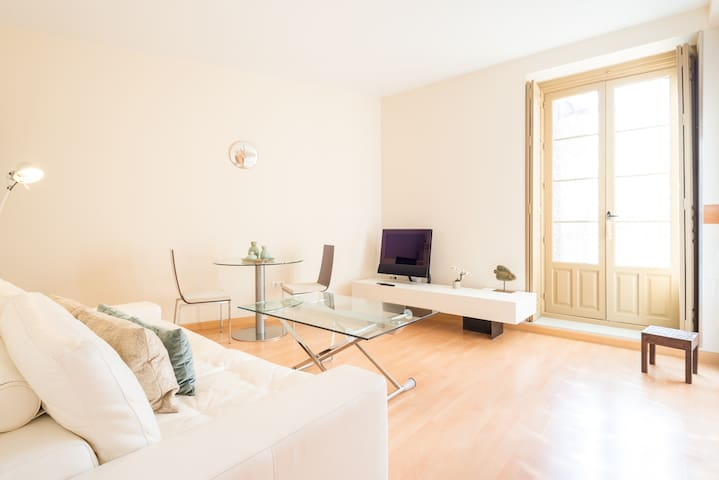 Fresca Premium 1 bedroom Apartment - Malaga