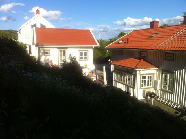 Lovely small house with one room, shower and toile - Kungälv C - Haus