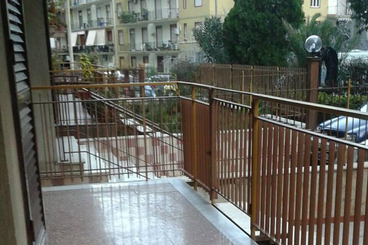 Grande appartamento vicino centro città! - Catania - Apartamento