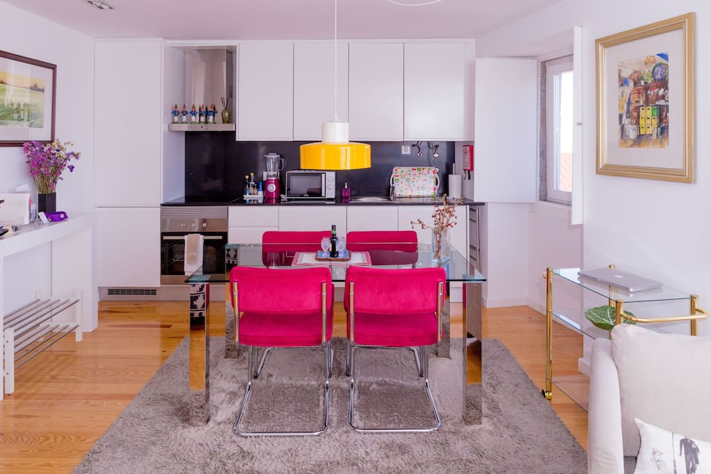 Fully equipped kitchen | Brand new appliances and kitchen ware.