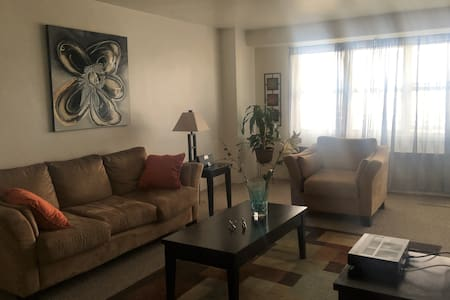 Private Room in Apt by Hudson River  - Metro North - Yonkers - Pis
