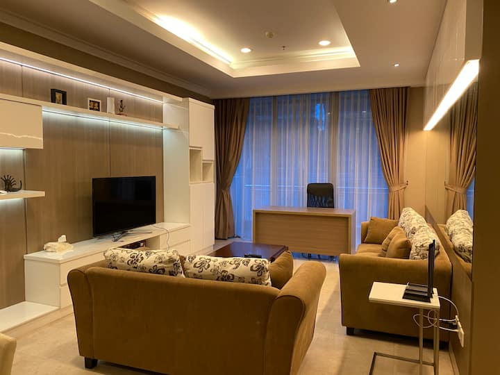 Luxurious 3+1BR Residence8 Senopati w Private Lift