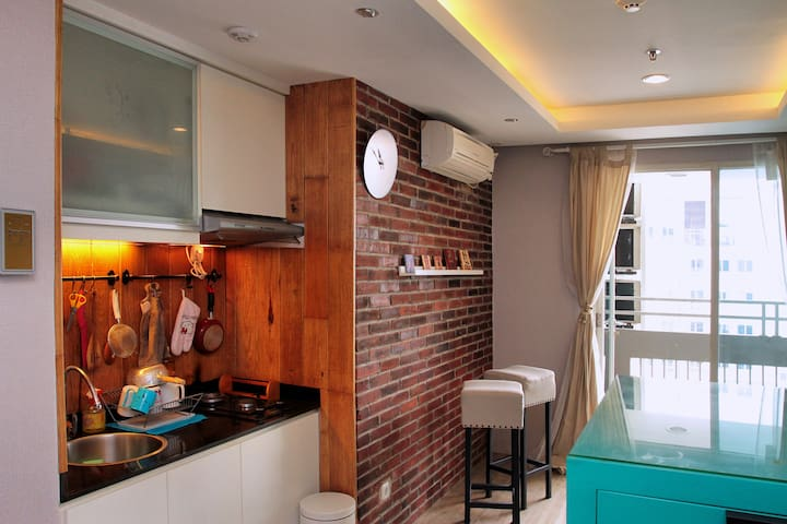 Free Sim Card - Comfy Condominium in west jakarta - Kalideres - Apartment