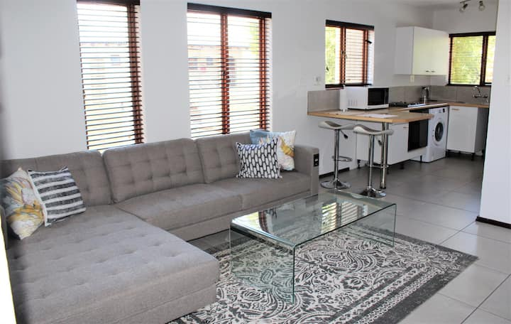 Modern, Secure, Central Apartment with WiFi & DSTV