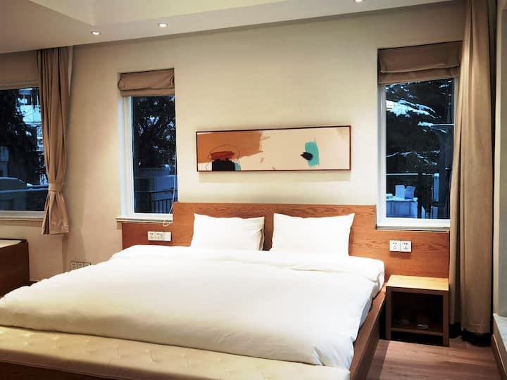 榻榻米高端大床房