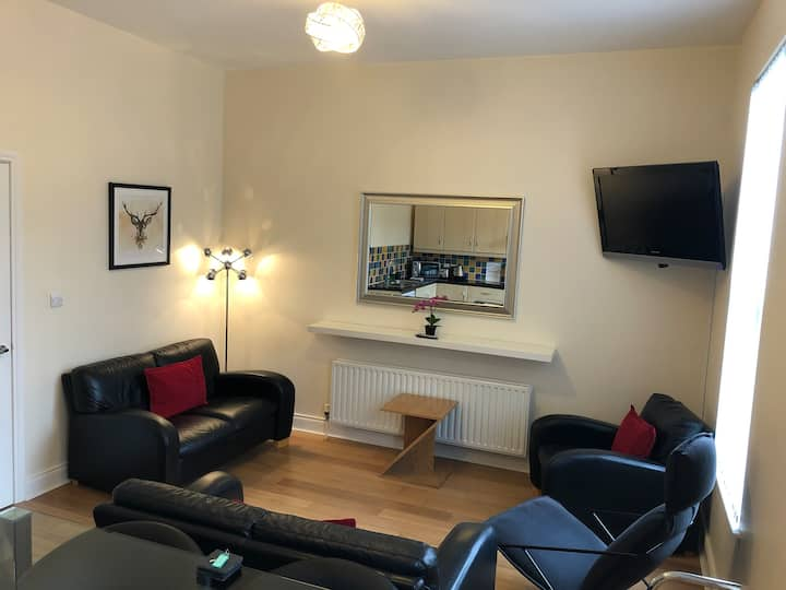 ❤️Trendy 1BR City Centre Apt - Central & Sparkling!