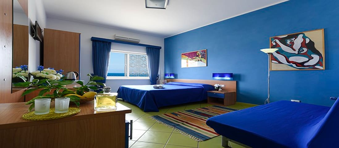 sleep on the beach  - blue room - Sorrento - Bed & Breakfast