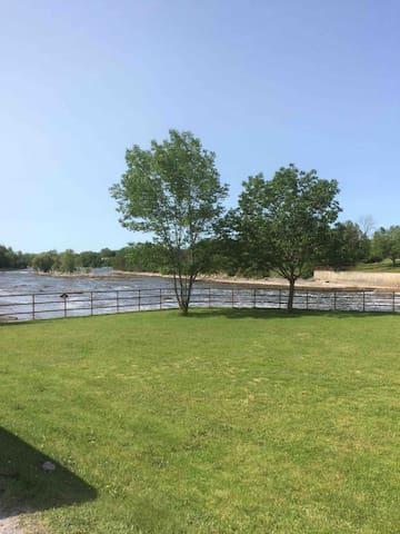 Trans Canada-Hyway/Kawartha Lakes/Trent river Area